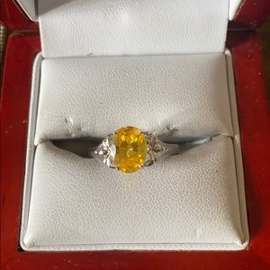 Jewelry - Sterling silver citrine stone ring